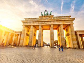 Bulli Reise Berlin Hanggtime - Brandenburgertor