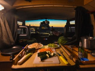 Bulli mieten - Camper kochen