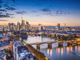 Bulli Reise Frankfurt am Main Hanggtime - Skyline