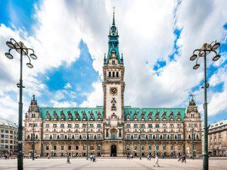 Bulli Reise Hamburg Hanggtime - Rathaus