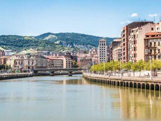 Hanggtime Bilbao Fluss